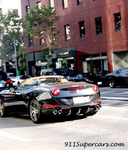 フェラーリ オープンカー