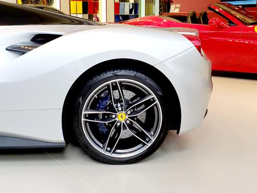 Ferrari CORNES フェラーリ コーンズ