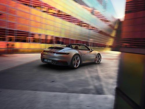 Porsche911,Cabriolet,992,ポルシェ911,最新ポルシェ911,992,ポルシェ992,カブリオレ,992オープンカー,スペック,価格
